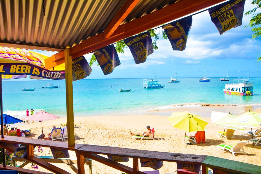 Best Bars in Tobago: Man on a Rock Bar