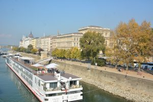 Cool things to do in Budapest: Cruise along the Danube
