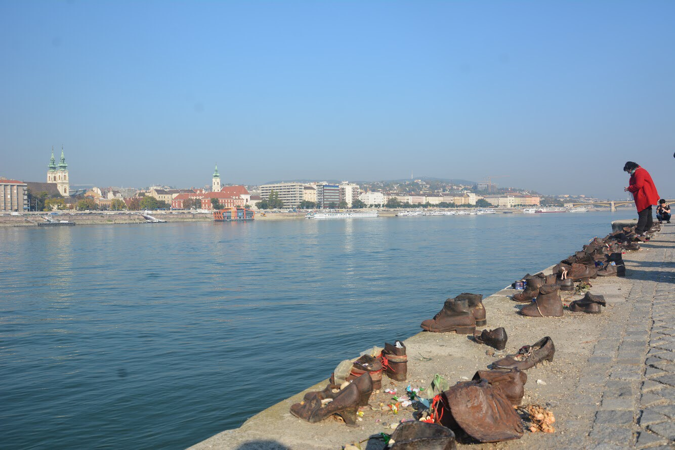 Cool things to do in Budapest: Pay Respects at Shoes on the Danube Bank