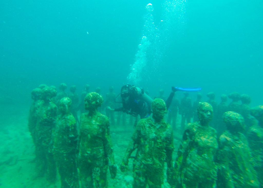 Epic Things to do in the Caribbean: Underwater sculpture garden Grenada